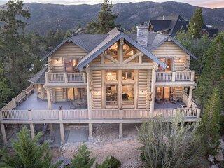 18 - PENTICTON LODGE - Luxury Full-Log Cabin with Amazing Veiws