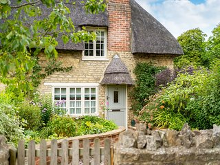 Sticky End - Thatched Rutland Luxury Holiday Cottage