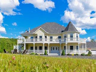 'Windham Manor' on 45 Acres - 5 Mi. to Ski Resort!