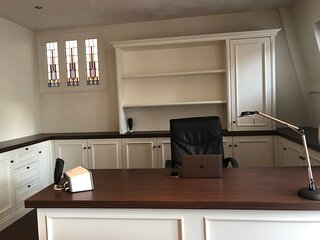 Apartment with office nearby Amsterdam. Long term rental on request .