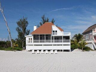 Villa Island Getaway - ALL INCLUDED! Beach villa w. boat included in the price.