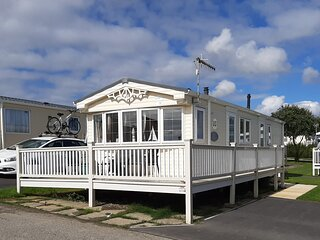 Holiday Home with enclosed veranda - Reighton Sands Holiday Park (Haven)
