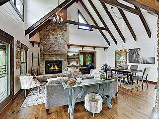 Dazzling Custom Retreat: 2 Suites, Mountain Views - Near Asheville, Lake Lure