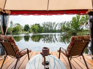 The Middelburg Suite in Holland House Vacation rental Studio in small resort.