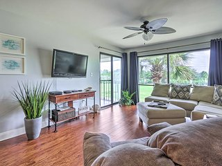 NEW! Edgewater Resort Condo; Walk to Beachfront!