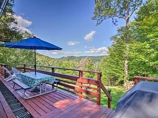 NEW! Home w/ Mtn View & Hot Tub, 6 Mi to Echo Lake