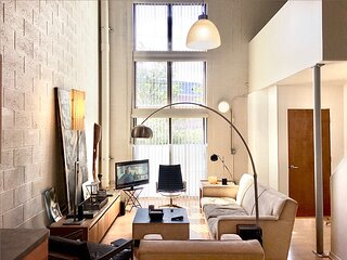 Bohemian Artist Loft with Amazing Light and Location, Near Downtown