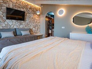 Horizon Apartments - Attic Triple Sea View Room