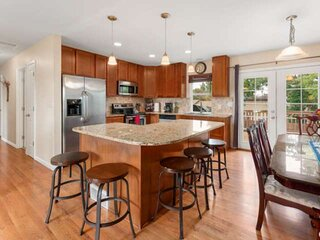 New!!! Large private yard; Family-Friendly Near Boulder, Hiking & Biking- 'The A