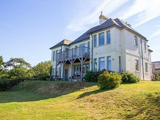 Spacious waterside property, coastal views, close to beach, Bantham, South Devon
