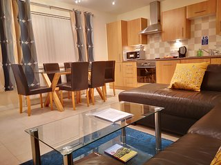 Coast Apartments Sun; spacious 2 bedroom duplex - sleeps 4 adults and 2 children