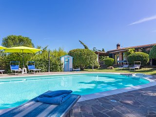 Monticiano Villa Sleeps 6 with Pool - 5711289