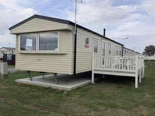 8 berth diamond rated caravan for hire at St Osyth's Park ref 28076GC