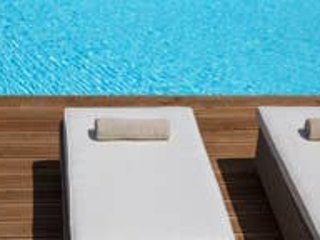 Villa Elia. Sleeps 6. Swimming pool and large exterior areas., vacation rental in Aetolia-Acarnania Region