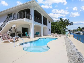 Waterfront, two-story house w/private outdoor pool, poolside grill, boat access