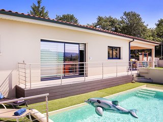 Beautiful home in Montboucher sur Jabron with Outdoor swimming pool and 3 Bedroo