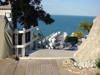 Amazing house near the beach