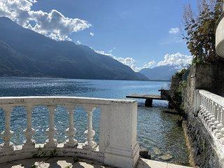 Les LIBELLULES-  Rez de lac, acces direct privatif