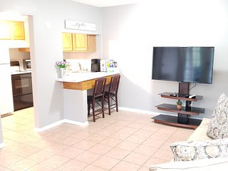 Cozy little apartment located next to Oaks Mall
