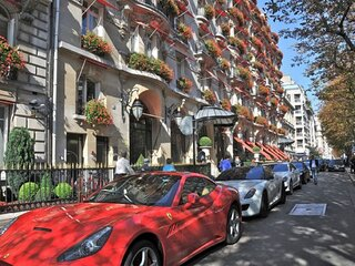 339M2 TOP NOTCH LUXURY CHAMPS ELYSEE &MONTAIGNE & GEORGE V AVENUES