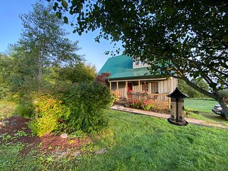 'A LITTLE TLC'-SPA*MTN VIEWS*NEW RIVER*FP*PRIVACY!