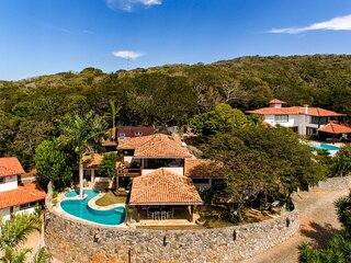 Buz025 - Luxury four bedroom house with pool in Búzios