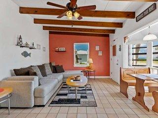Walk to Beach | Dog-Friendly Cottage | Ocean View | Garage Parking |Close to Dow