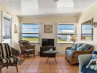Short Stroll to Beach | Dog-Friendly  Free Parking  Ocean Views |Close to Dining