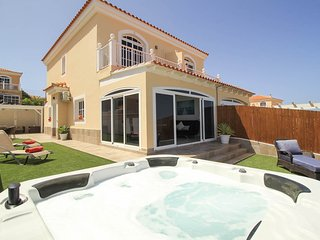 Luxury refurbished2 bed villa on la Colina Caleta de fuste