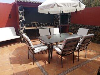 Casa La Gollada con piscina privada y wifi