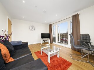 01. London Heathrow Living Serviced Apartments by Ferndale
