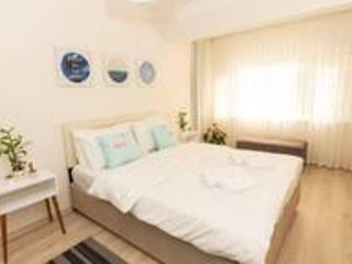 Stylish 2 BR Home with Private Garden   12min Walk to Osmanbey Metro