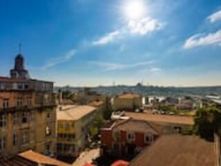Tiny Apartment with Amazing View on Shared Terrace - 15 Steps to Galata Tower