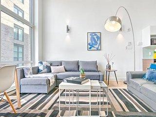 Liv MTL Save 60% Downtown 501 Luxurious Duplex Big Family + Pet Friendly*