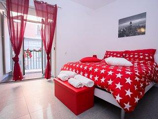 Appartamento con 2 camere matrimoniali in pieno centro a Napoli