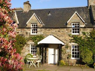 Birnam, Dunkeld, Beautiful Listed Cottage