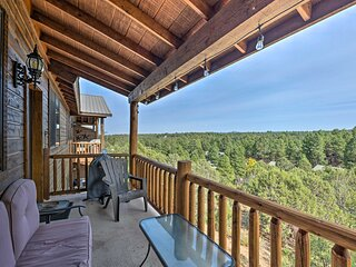 Show Low Retreat w/ Deck, Grill & Mountain Views