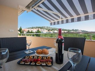 Apartment Dar - Two Bedroom Apartment with Sea View