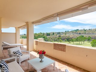 Capanes Luxury Holiday Rental - 2 Bed Contemporary Apartment