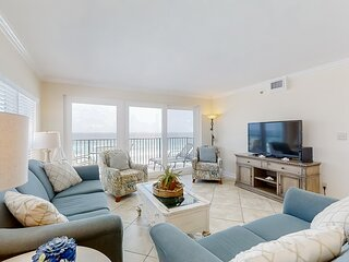 Cozy Vacation Condo On Okaloosa Island, Gulf-Front Balcony, On-Site Pool