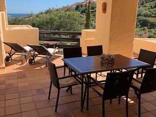 Beautiful Apartment With Pools & Stunning Views Of The Sea & Golf Course