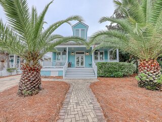 Classy beach home with free WiFi, full kitchen, beach service, and tiki bar!