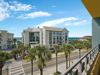 Vibrant studio near the sand w/ balcony view, shared pool & central location!