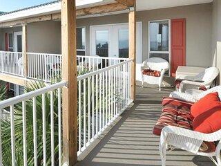 Caribbean corner villa w/ double French doors & balcony views next to beach!
