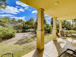 Lovely Vacation Rental, On-site pool, Minutes from the beach