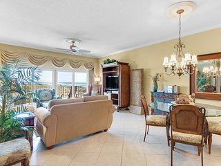 Elegant beachfront home w/ private balcony + shared sauna, pool, & hot tub!