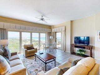 Grand beachfront resort villa featuring shared pool/ hot tub + private balcony!