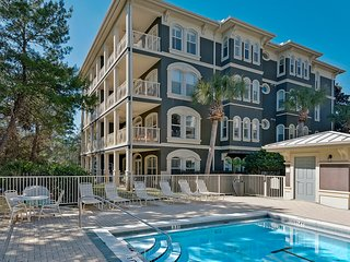 Stunning condo on the Gulf of Mexico w/ beach access & shared pool!