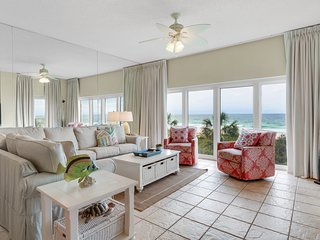 Bright waterfront condo w/ 2 balconies & free WiFi + shared hot tub & pool!