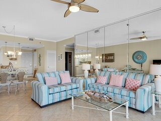 Amazing beachfront home w/ shared hot tub, pool + top-rated tennis facilities!